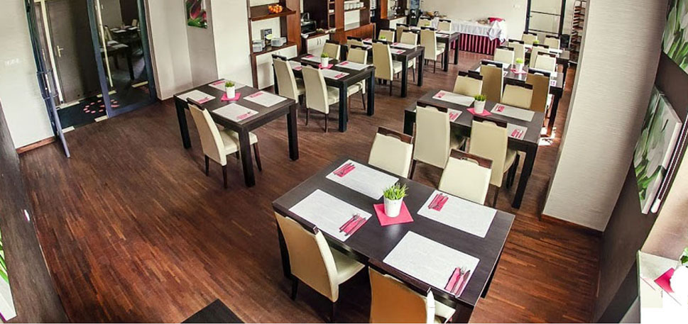 stół do restauracji kedameble