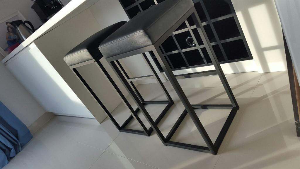 Krzesło barowe h1